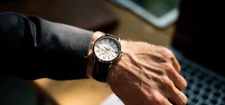outsourcing digital marketing saves time